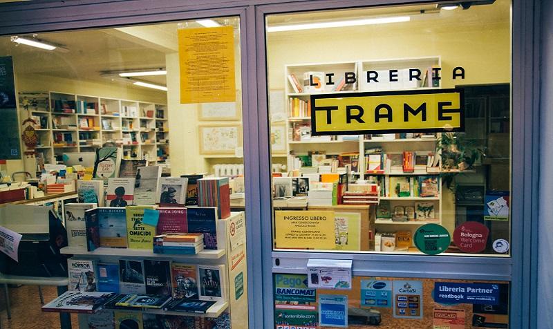 Risultati immagini per libreria trame